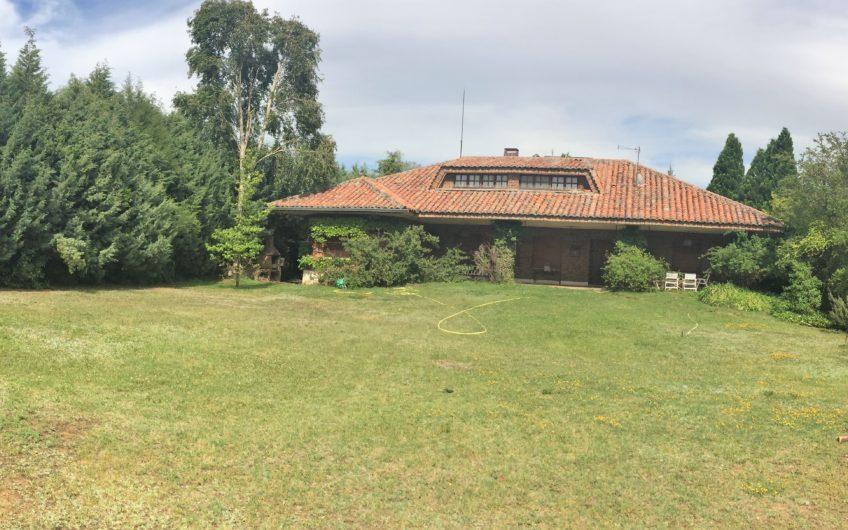 Unifamiliar Individual con más de 1800 m2 de parcela en Carbajal de La Legua