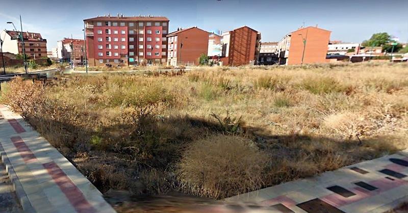 Solar Urbano en Trobajo del Camino para construir vivienda adosada