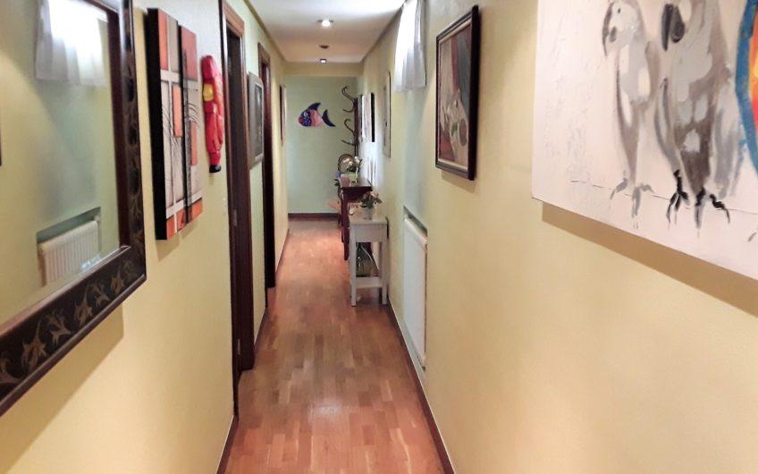 Amplio piso en santa Ana con altura y ascensor. MUY REBAJADO.