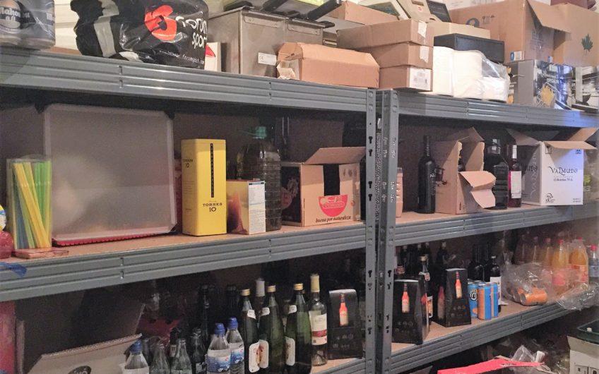 Se vende bar-cafetería equipado en Zona Padre Isla-San Esteban