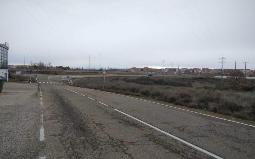 Nave Industrial de 1000 m2 junto al Aeropuerto de León