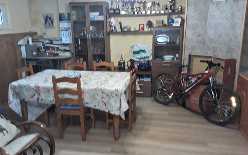 Chalet Adosado en Urbanización Cerrada en Carbajal de la Legua