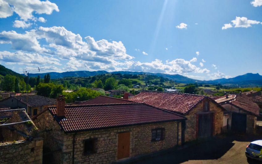 Casa para entrar en un entorno natural privilegiado en el municipio de Boñar