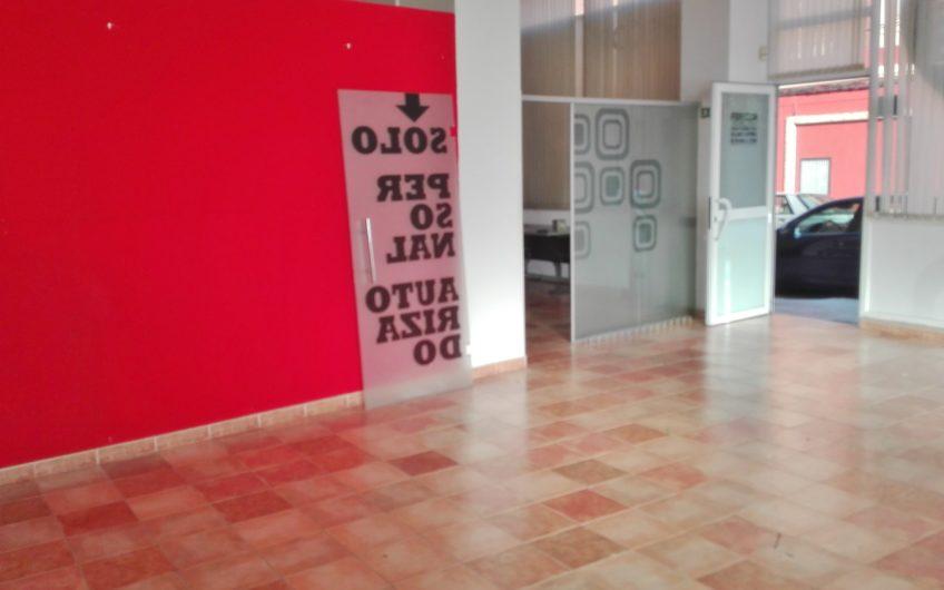Local al principio de la Avenida de Asturias en venta o alquiler