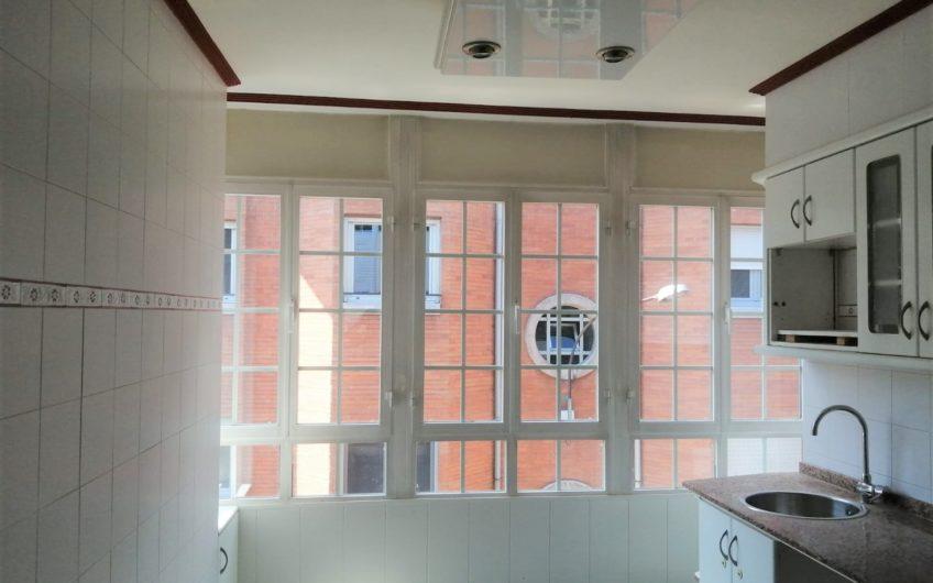 Piso con ascensor, amplio garaje y trastero en Villablino  (Laciana)