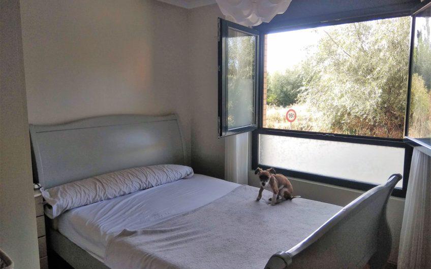 Piso de tres dormitorios en Villaobispo de las Regueras