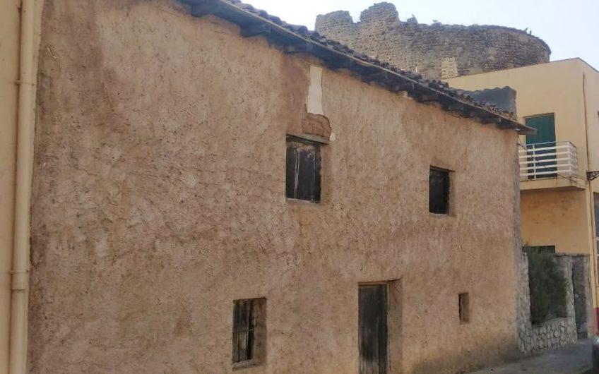 Casa con patio para reformar en Mansilla de las Mulas