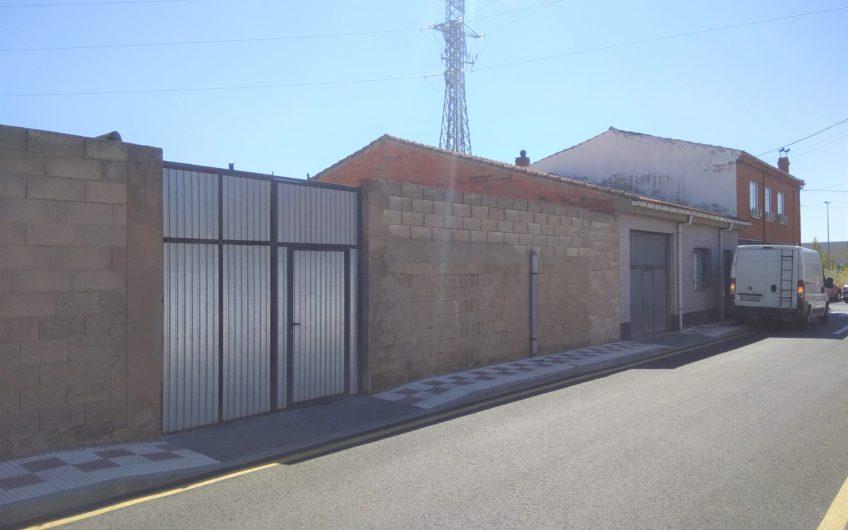 Nave-almacén en Navatejera