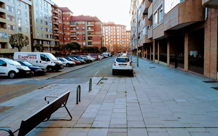 Piso en Eras de Renueva, calle Padre Gregorio.