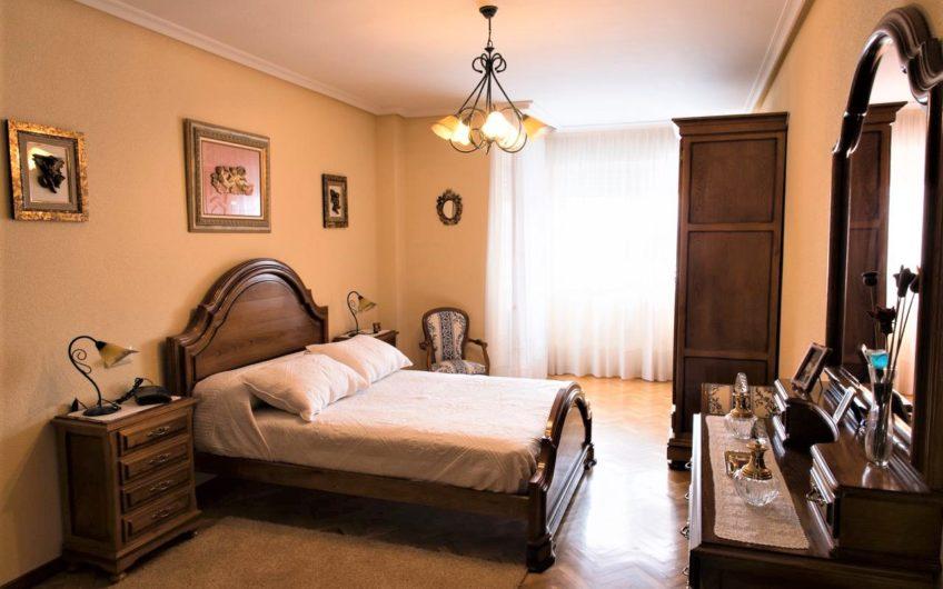 Piso de cuatro dormitorios zona Lidl