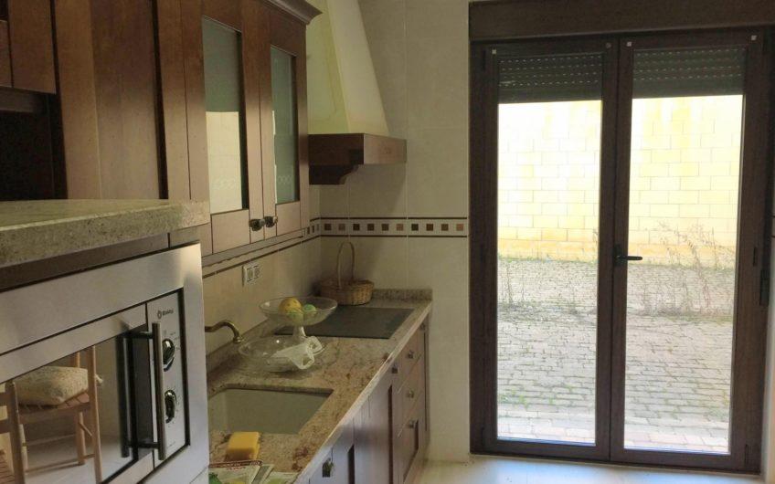 Casa individual con patio posterior de 67 m2 en Mansilla de las Mulas