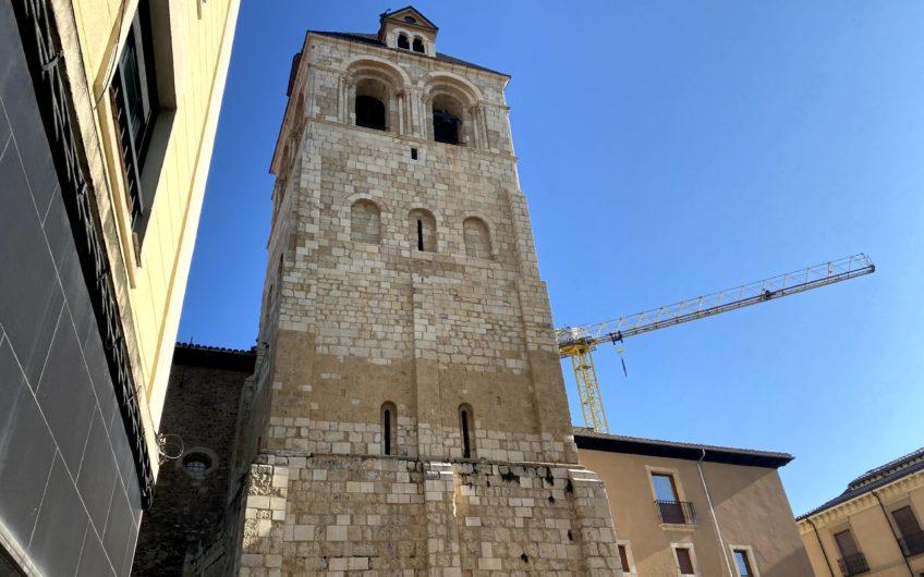 Piso para reformar junto a la Torre de San Isidoro