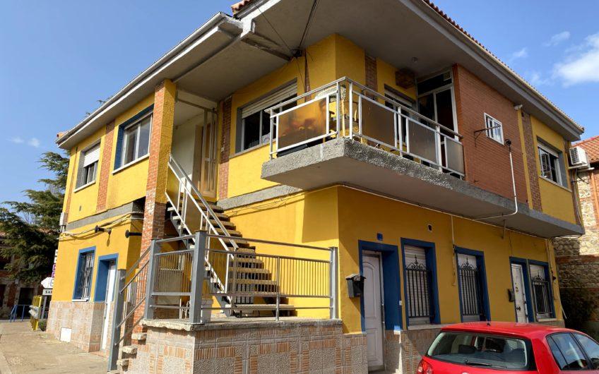 Edificio en Azadinos rentabilizado en alquiler