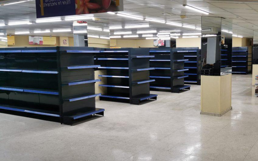Supermercado céntrico acondicionado