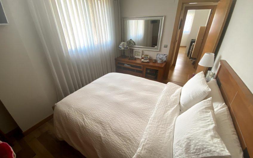 Impecable Piso de Cuatro Dormitorios en Lastra Sur Puente Castro