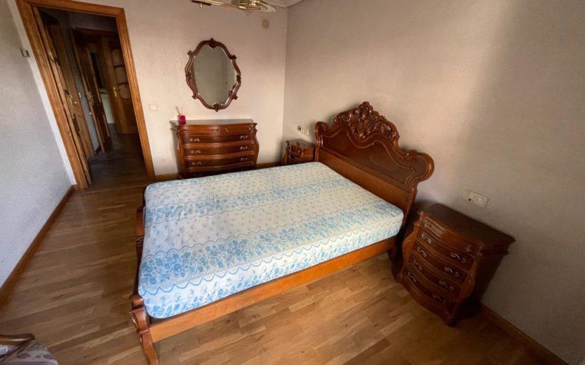 Piso con muebles  en Condesa de Sagasta