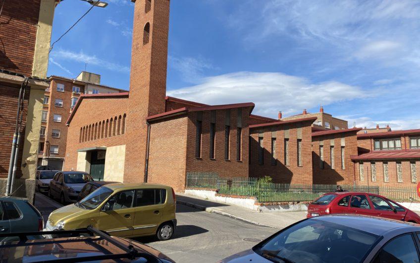 Piso con ascensor junto a La Iglesia de San Lorenzo