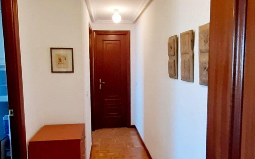 Apartamento amueblado en edificio Abelló