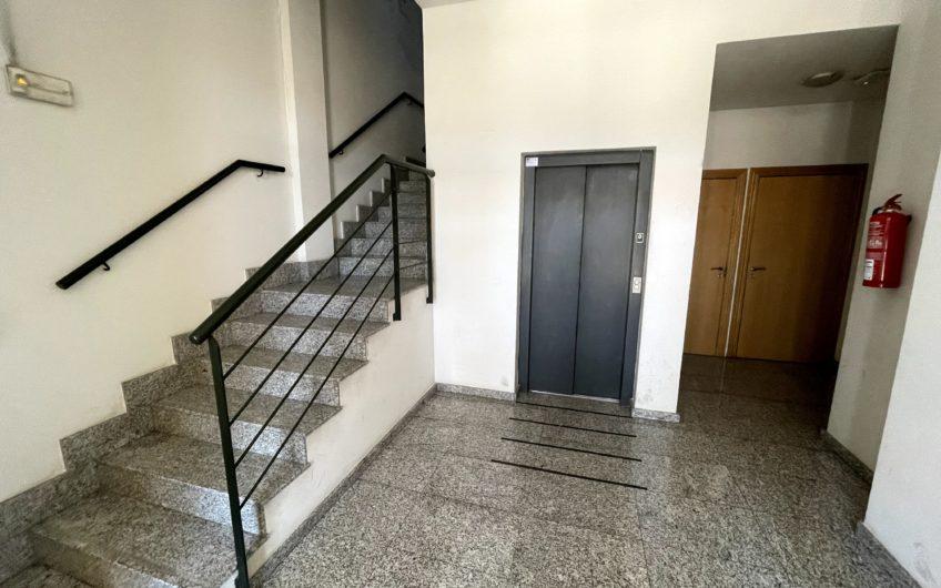 Apartamento con ascensor, garaje y trastero en Avda Constitución