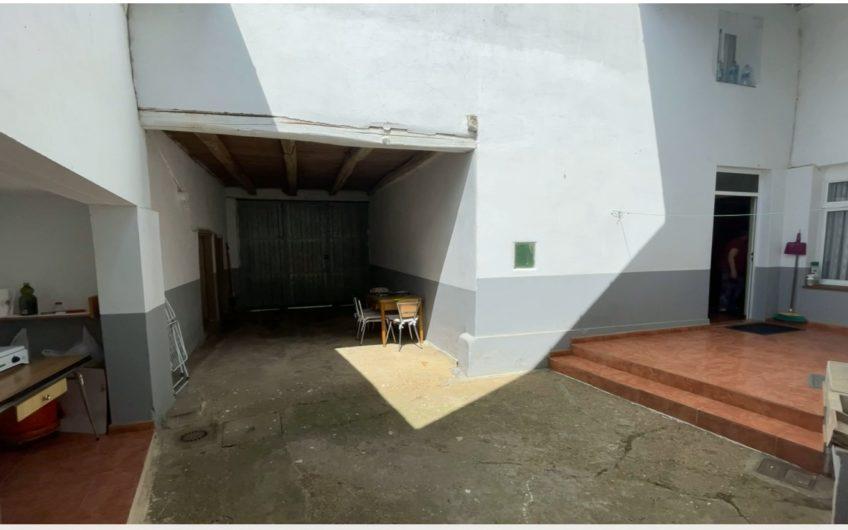 Casa con patio en la Vega del Esla