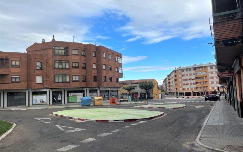 Apartamento para reformar con amplia terraza